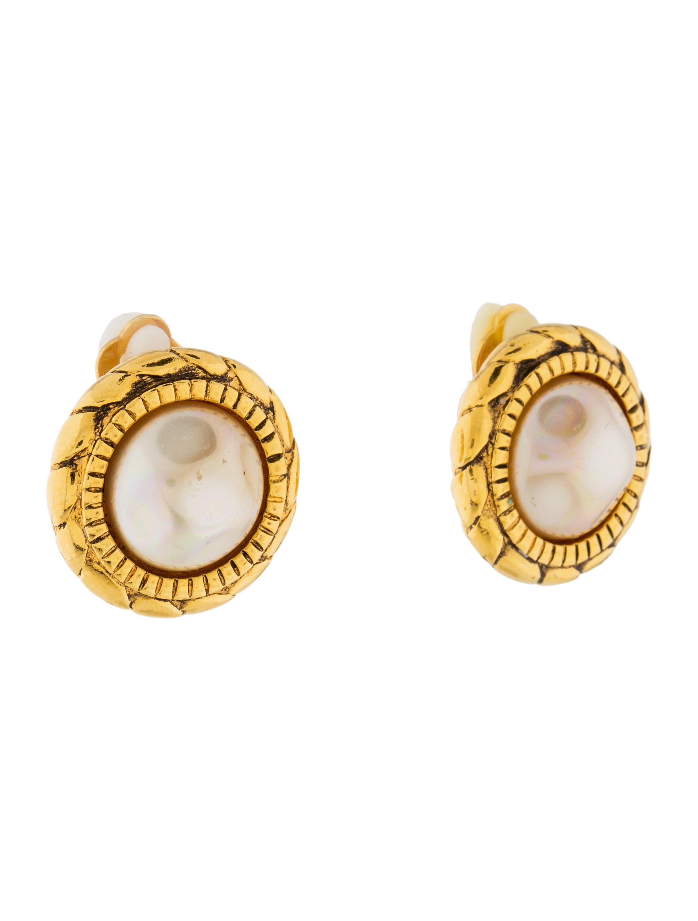 chanel faux pearl clip on earrings earrings cha197822