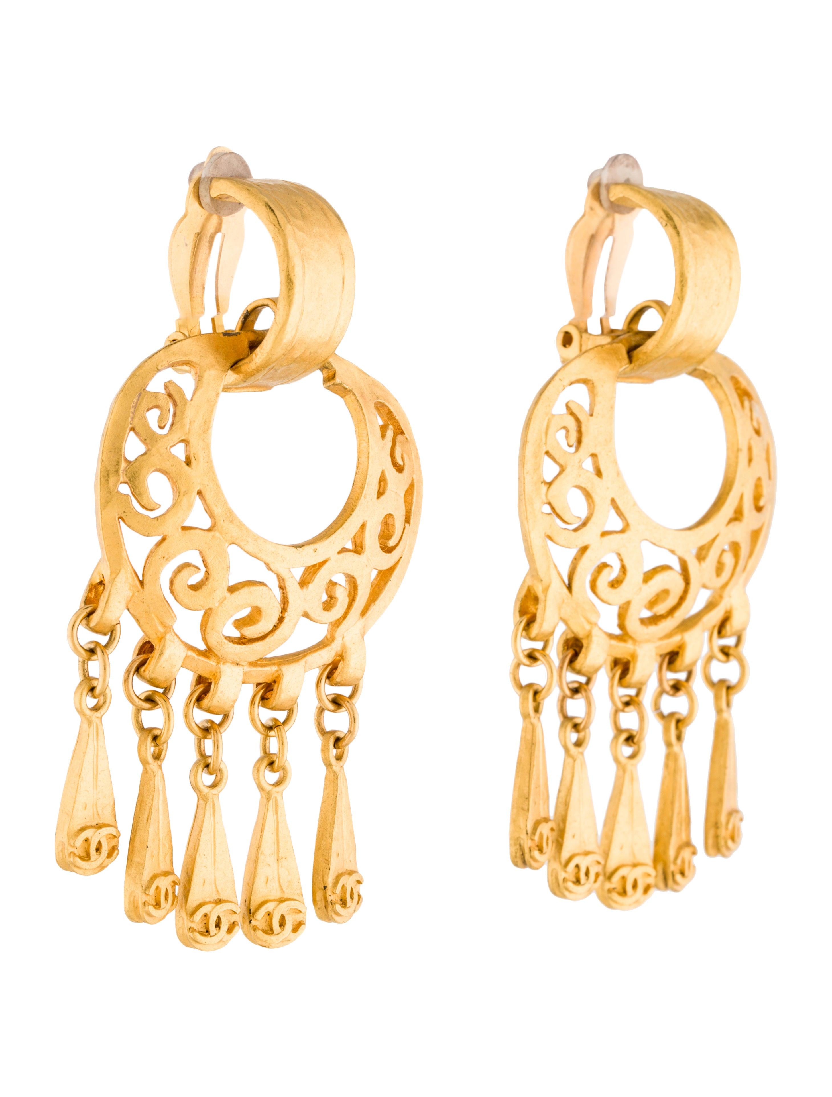 Chanel chandelier earrings earrings cha198103 the realreal chandelier earrings arubaitofo Images