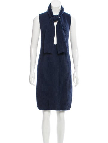 Chanel Sleeveless Cashmere Dress None