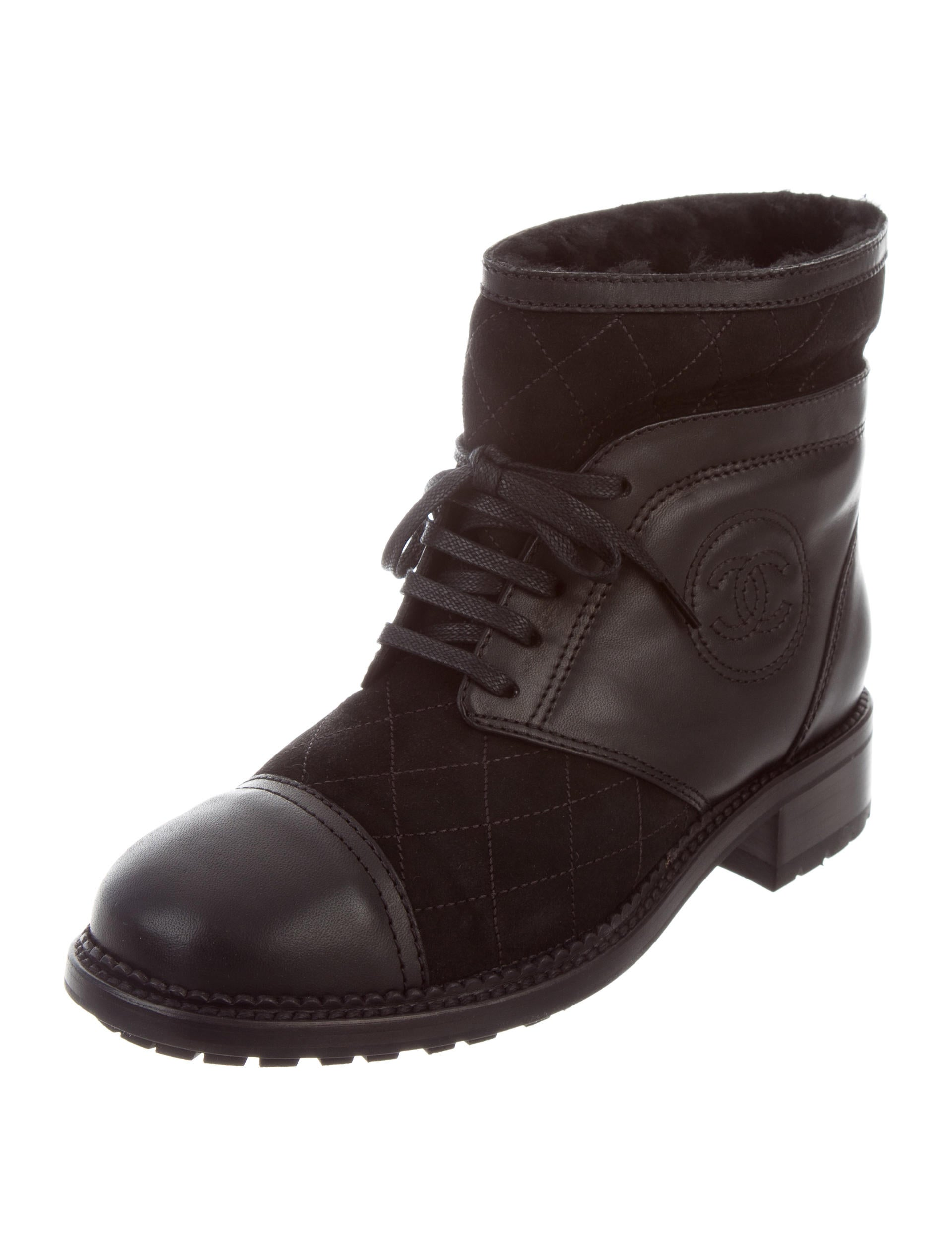 chanel quilted cc ankle boots w tags shoes cha198712