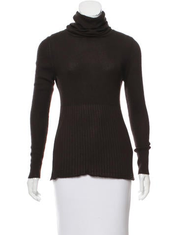 Chanel Cashmere & Silk-Blend Turtleneck Sweater None