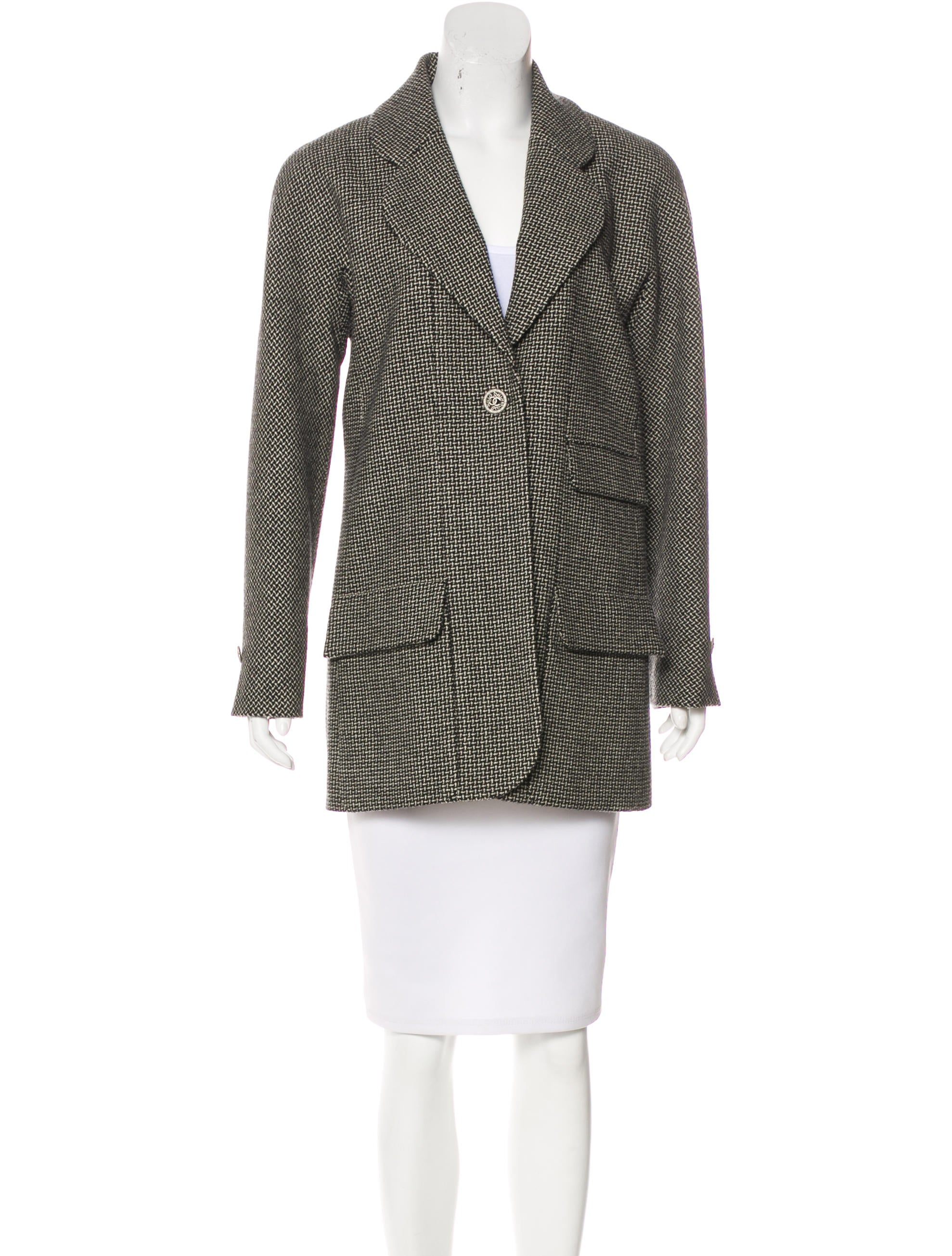 Pendleton crafts women's wool jackets & blazers from luxurious, premium wool. Shop casual blazers for women now.