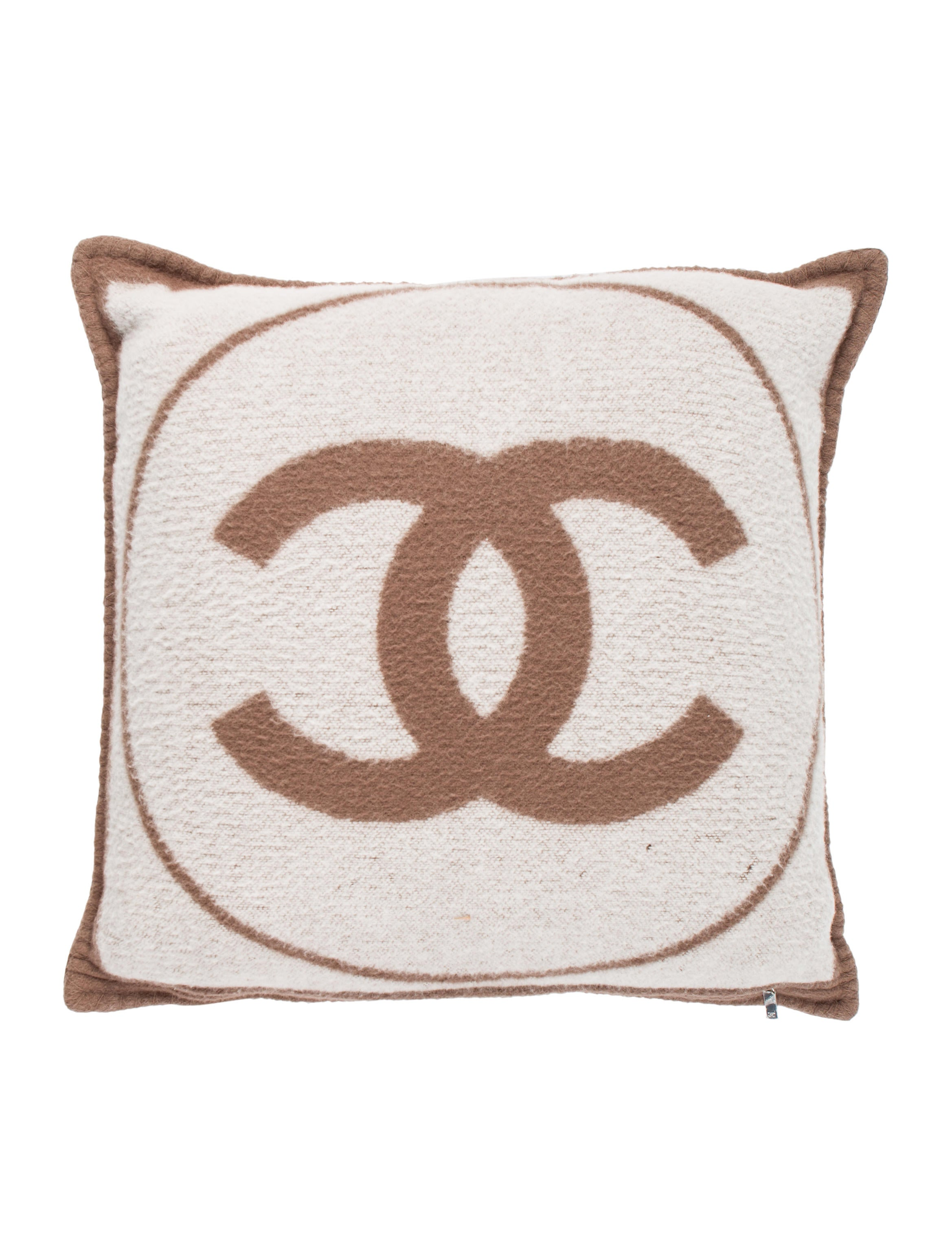 Black Chanel Throw Pillow : Chanel Wool & Cashmere Throw Pillow - Pillows And Throws - CHA229259 The RealReal