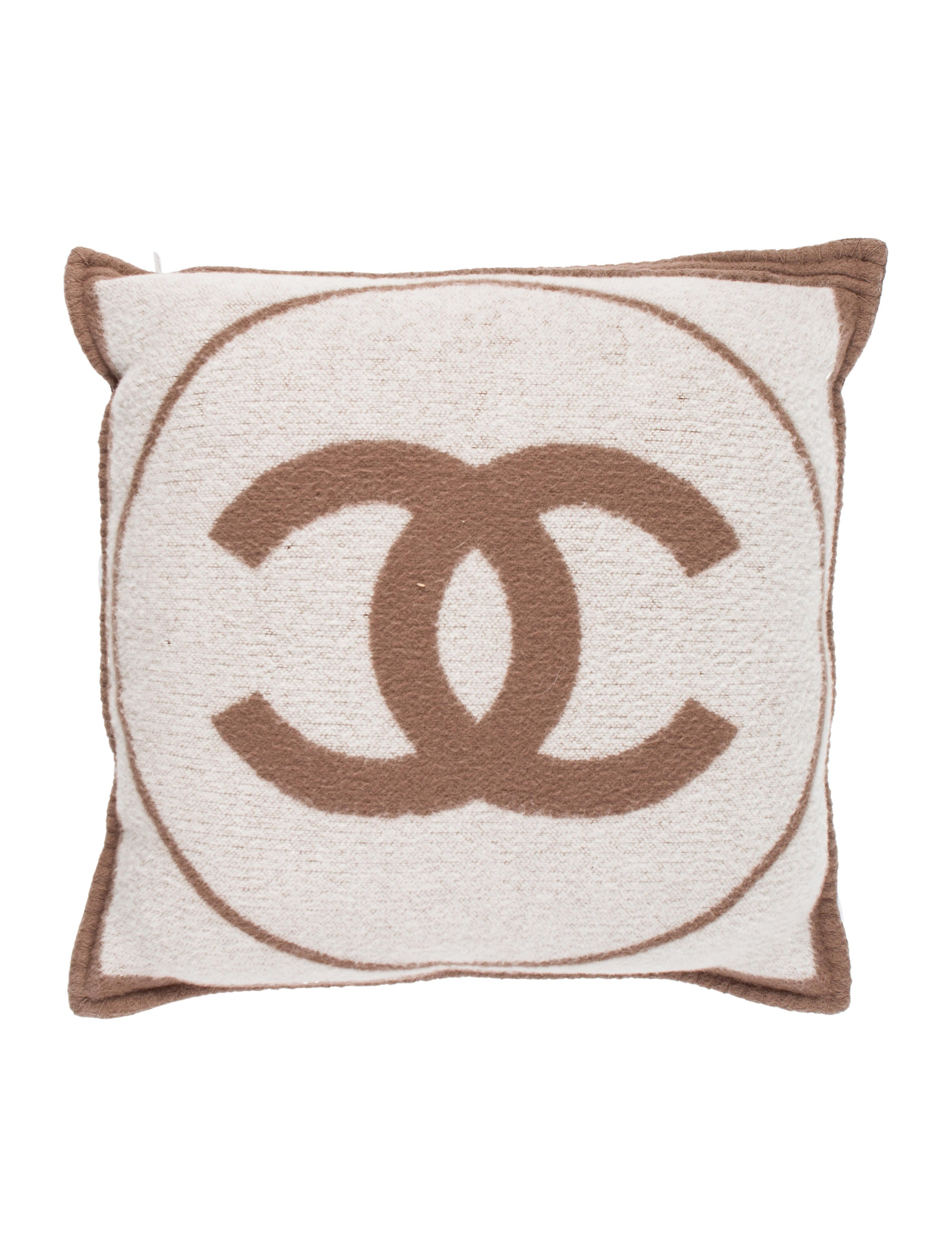 Black Chanel Throw Pillow : Chanel Wool & Cashmere Throw Pillow - Pillows And Throws - CHA229261 The RealReal