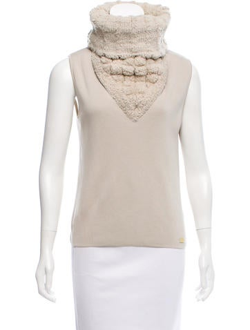 Chanel Cashmere Sleeveless Sweater None