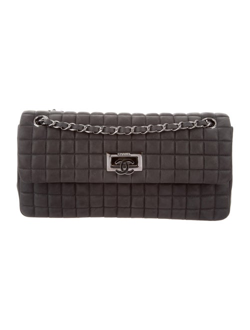 f5c01ee59f17 Chanel Bubble Quilt Iridescent Calfskin Flap Bag w/ Tags - Handbags ...