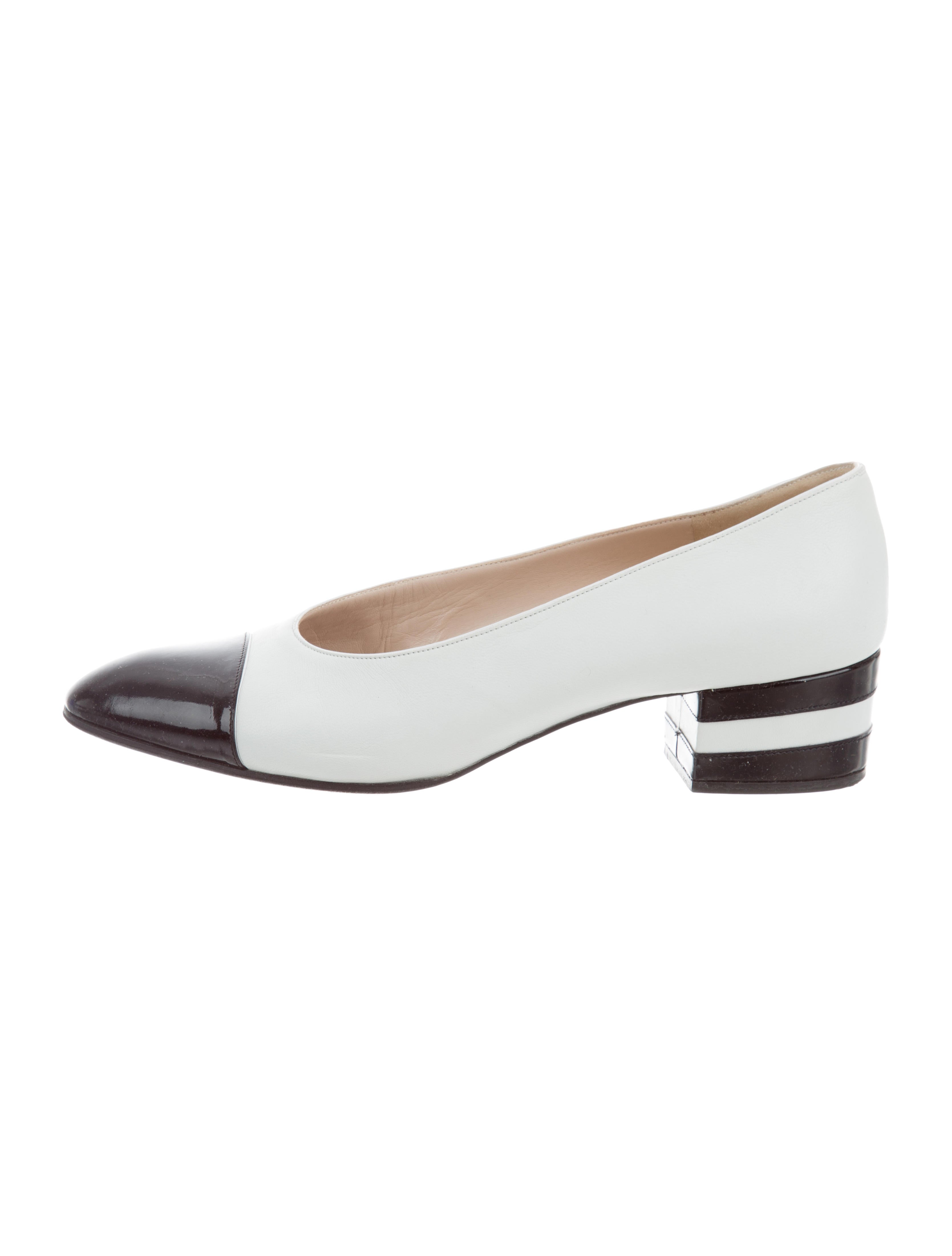 ed436263bc Chanel Leather Cap-Toe Pumps - Shoes - CHA276698   The RealReal