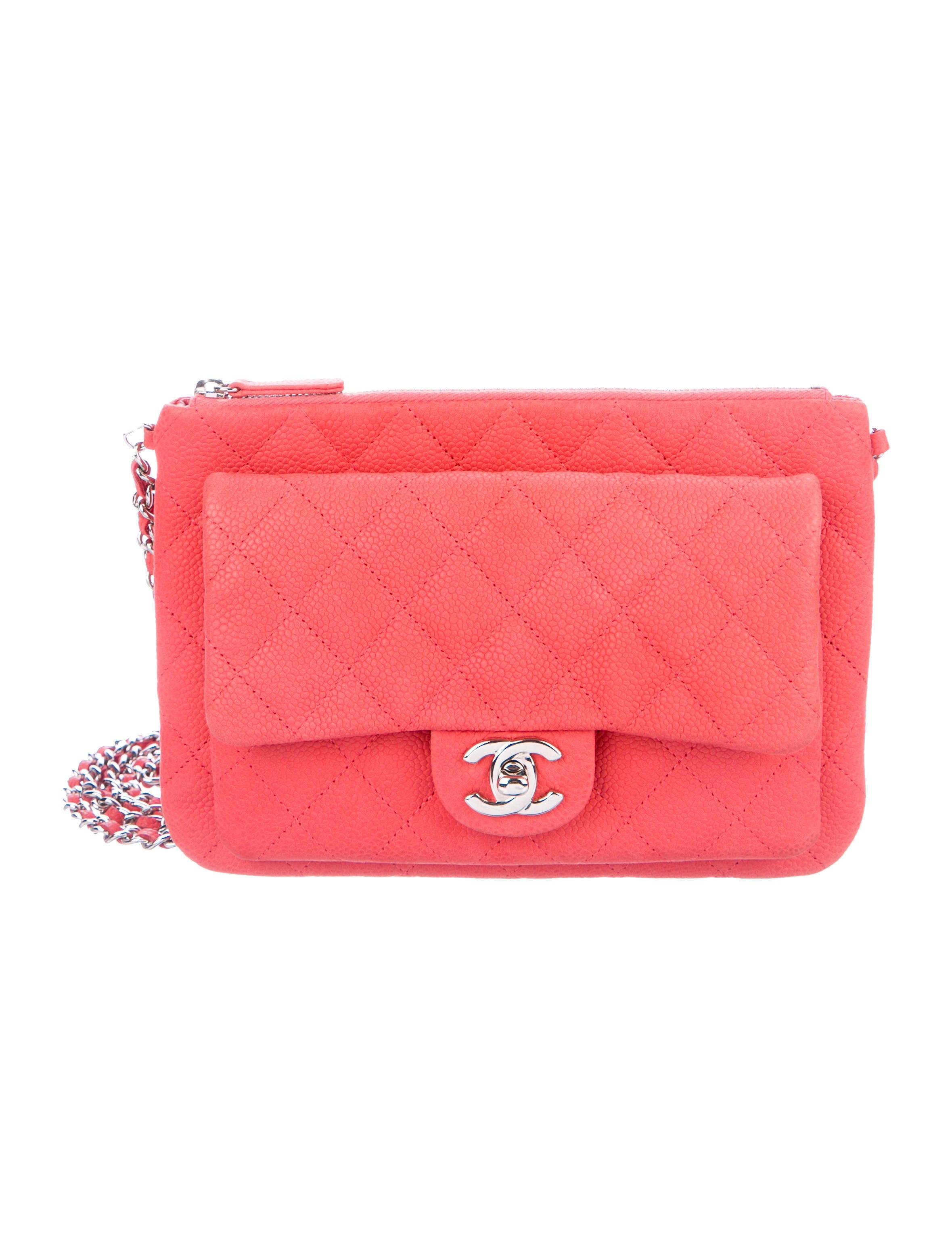 Chanel Daily Zippy Crossbody Bag - Handbags - CHA279157   The RealReal de6674a81a