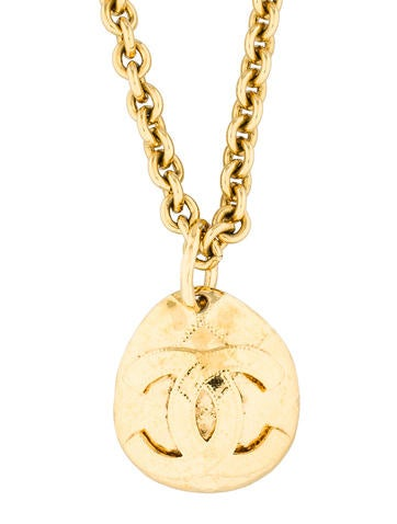 Quilted Medallion Necklace