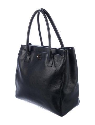 89f3fb1ce398 Chanel Tall Executive Cerf Tote - Handbags - CHA307418 | The RealReal