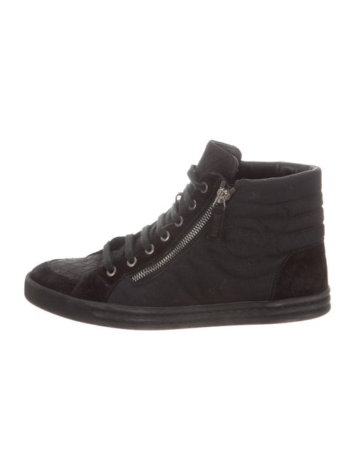 Chanel Cc High Top Sneakers Shoes Cha311790 The Realreal