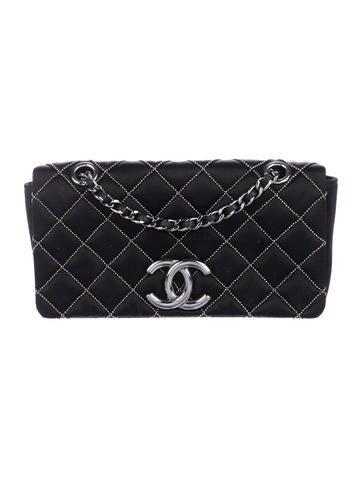 Chanel. Embellished Mini Flap Bag a34979338e608