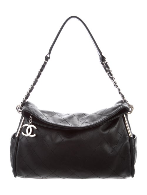 bcb5007ec031 Chanel Ultimate Soft Medium Tote - Handbags - CHA331790 | The RealReal