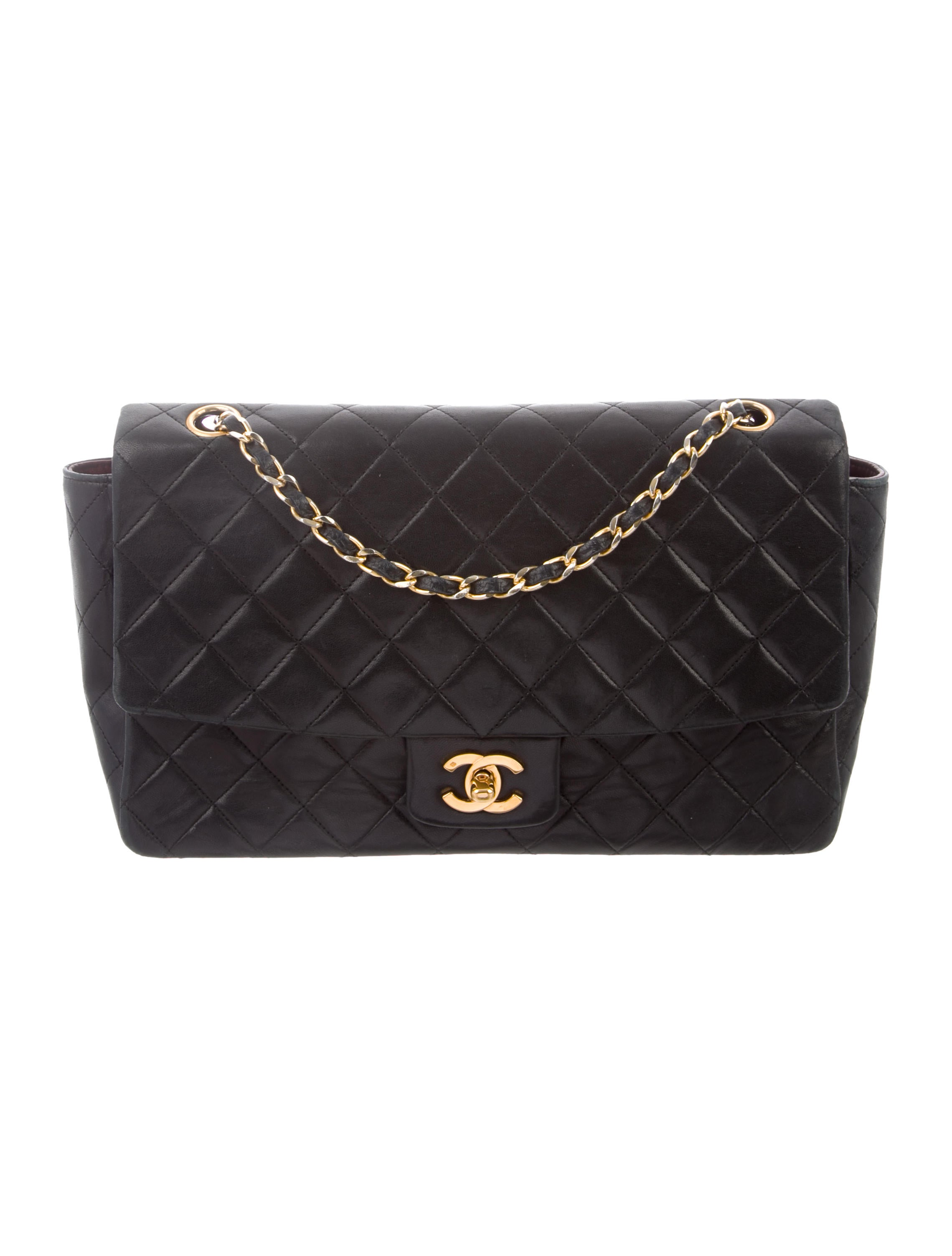 a96d949fbf44 Chanel Vintage Quilted Flap Bag - Handbags - CHA337169 | The RealReal