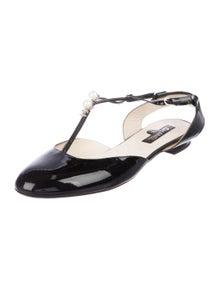 faae15a3e5a Chanel Flats