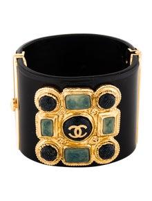 458a21d64e3 Chanel Cuff