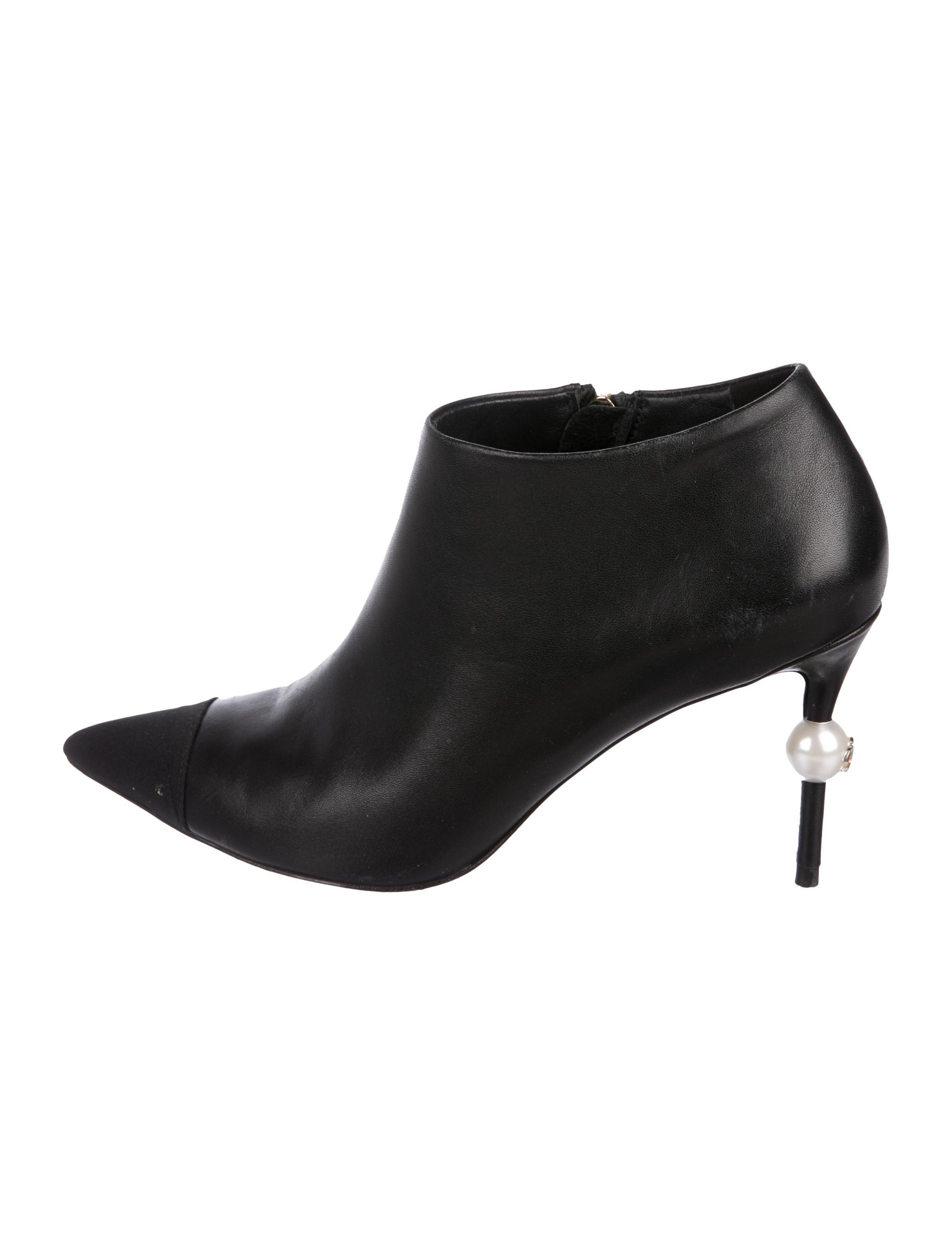 067ab7b77405 Chanel Boots