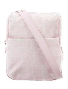 54b718d1c974aa Courchevel Pochette Green Waist Bag. $1,025.00 · Chanel