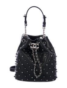 d9d28e0d3043 Chanel Handbags