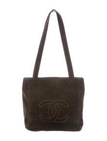 a15eb4d6b16dc5 Patent Square Quilt CC Flap Bag. $925.00 · Chanel