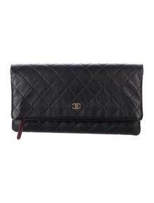 62b2520dbfa3 Chanel. Quilted Beauty CC Clutch