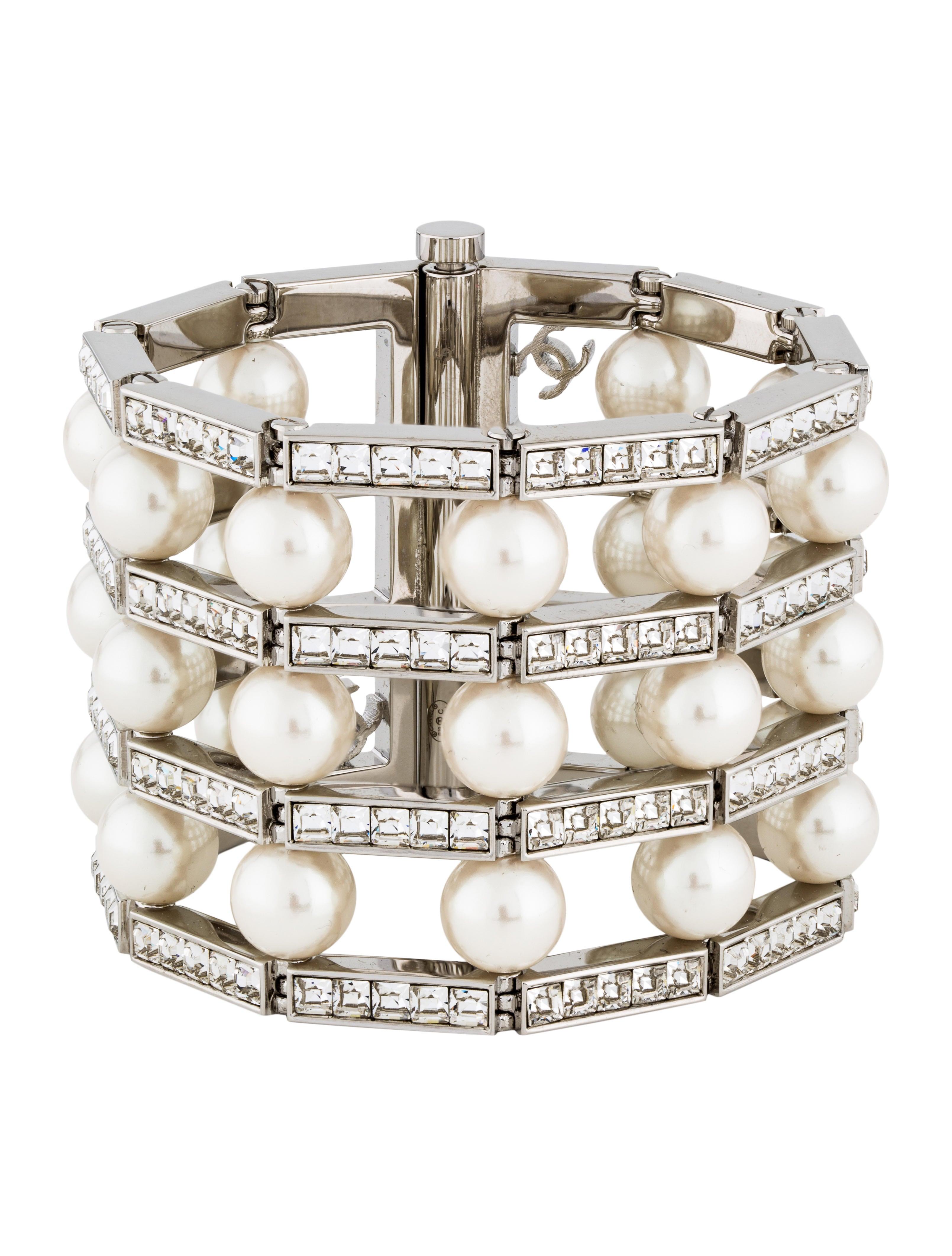 0029e837eaf58 Faux Pearl & Strass Wide Link Bracelet