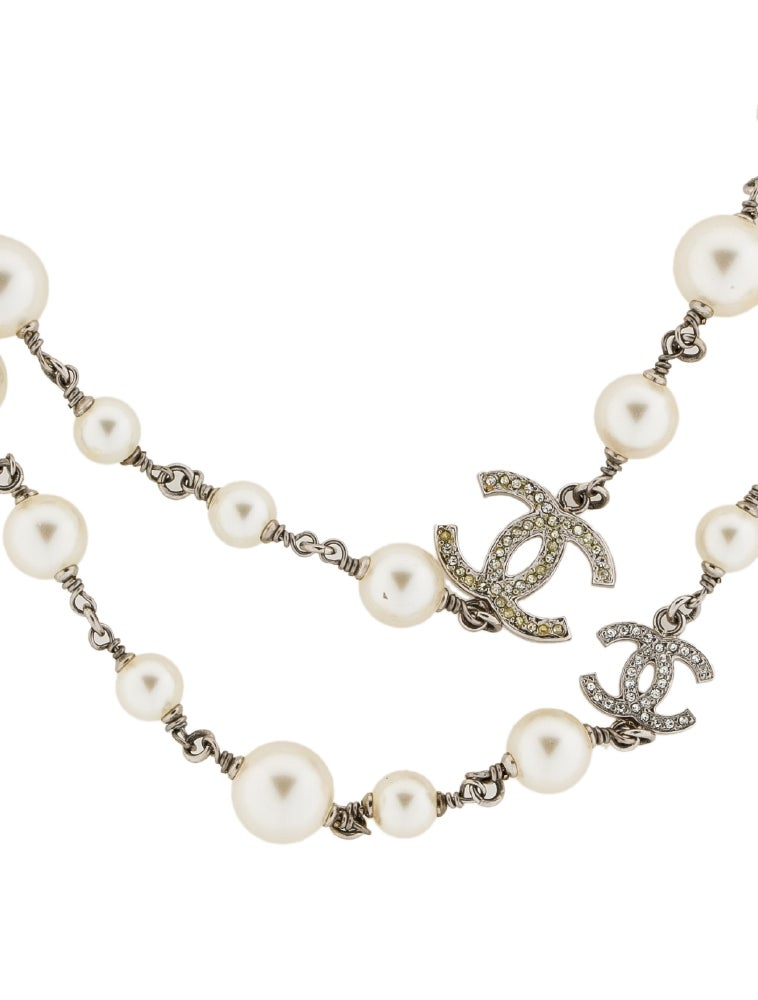 chanel faux pearl cc station necklace necklaces