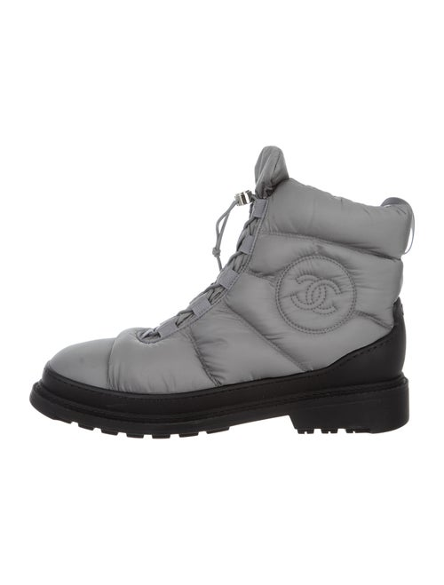 Nylon Cc Snow Boots by Chanel
