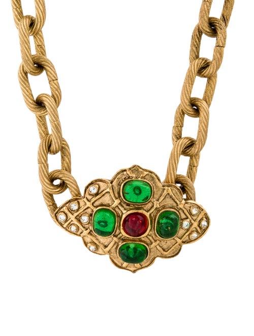 Chanel Vintage Gripoix Pendant Necklace Gold