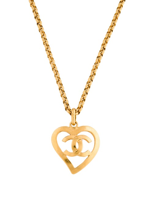 Chanel CC Heart Pendant Necklace Gold
