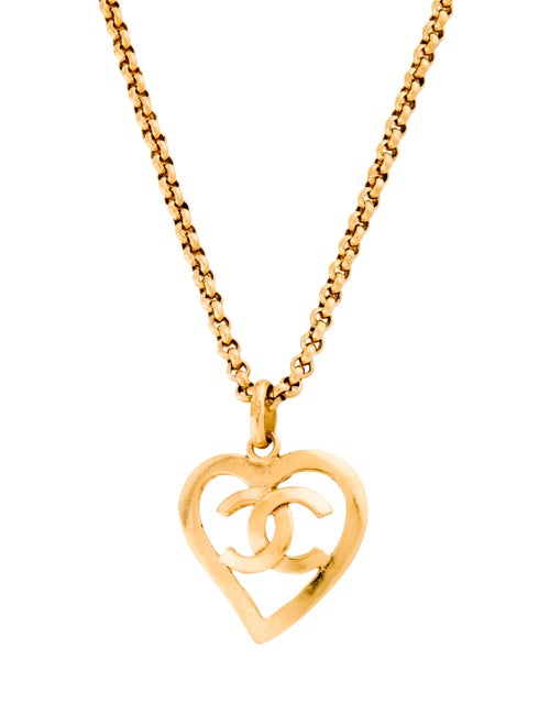 Chanel Vintage CC Heart Pendant Necklace Gold