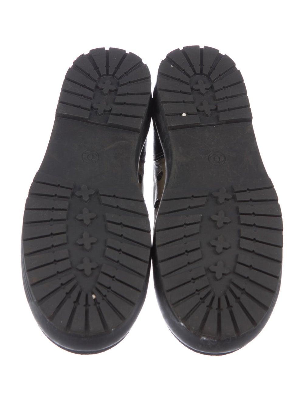 Chanel Interlocking CC Logo Leather Sneakers - image 5