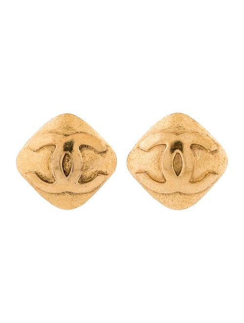 Chanel Vintage CC Clip-On Earrings Gold - image 1