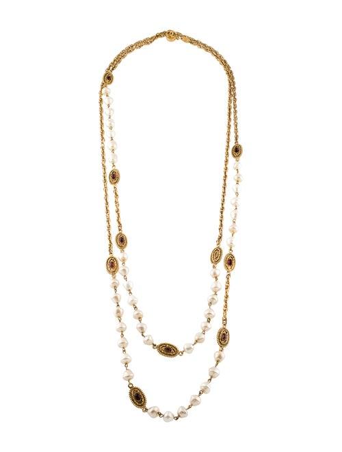 Chanel Vintage Faux Pearl & Gripoix Necklace Gold