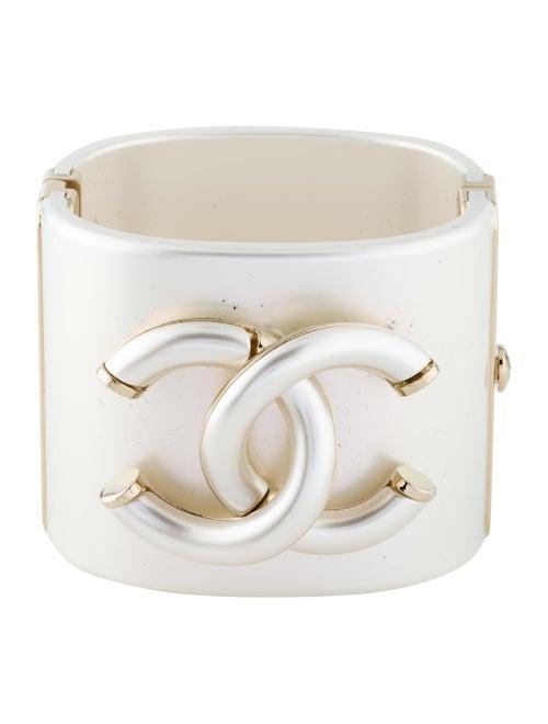 Chanel Resin CC Bracelet Gold
