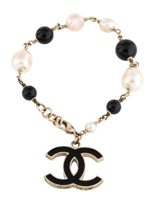 Chanel Faux Pearl & Resin CC Bracelet Gold - image 1
