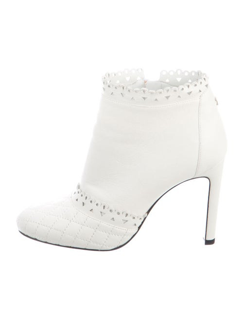 Chanel Quilted Pattern Leather Boots White