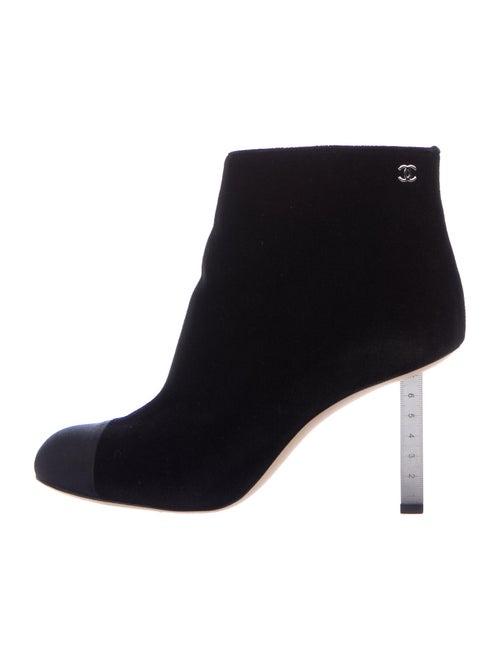 Chanel Interlocking CC Logo Boots Black