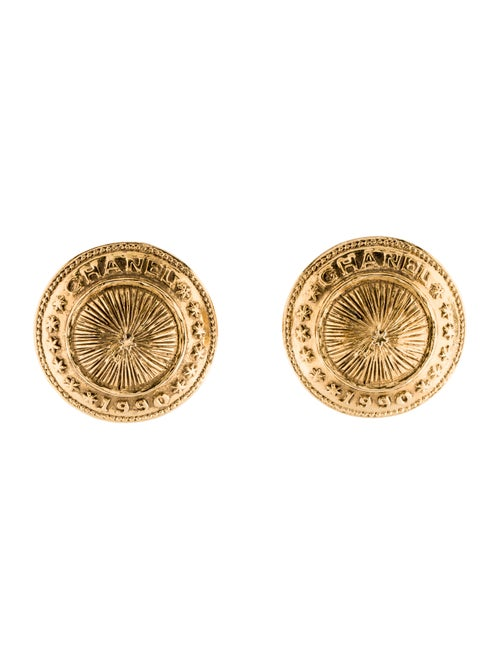 Chanel Vintage Clip-On Earrings Gold