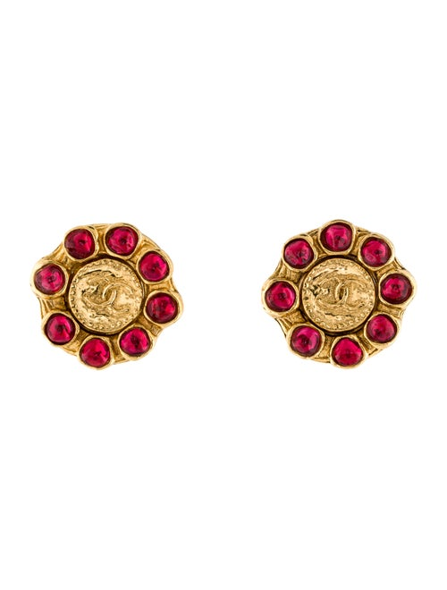 Chanel Vintage Gripoix CC Clip-On Earrings Gold