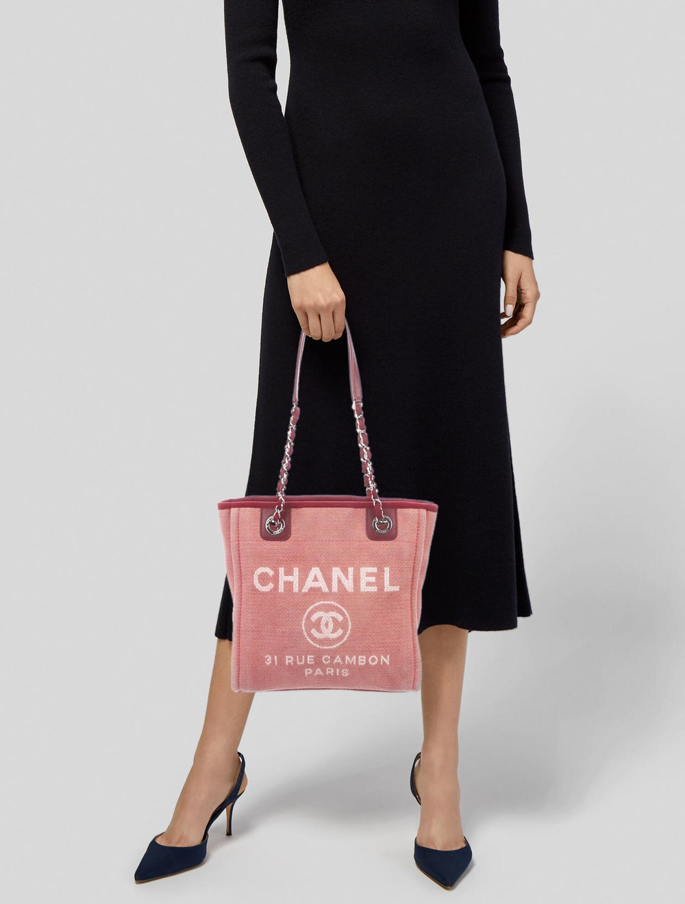 Chanel Small Deauville Bag Pink - image 2