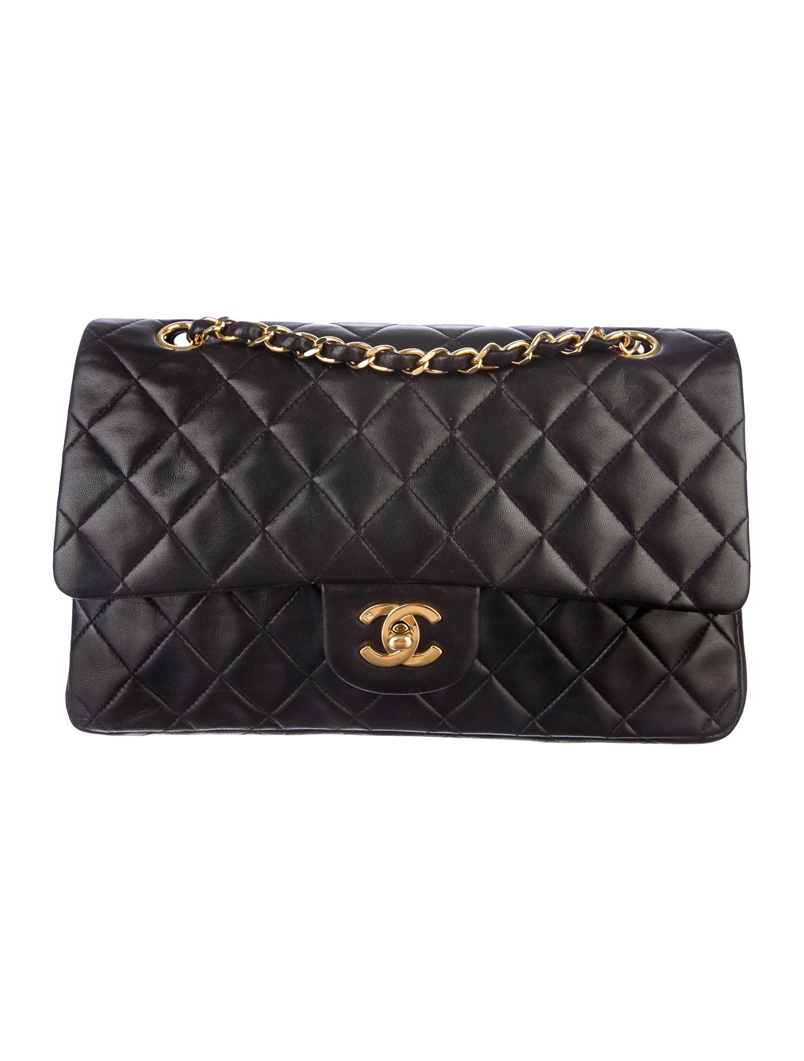 Chanel Väskor Vintage : Chanel vintage medium classic flap bag handbags