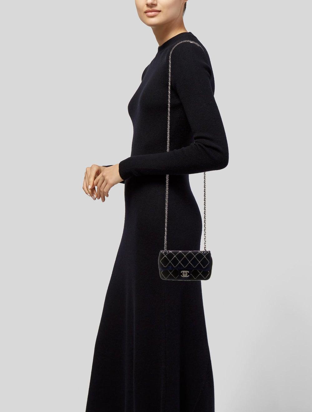 Chanel Chain Stitch Mini Velvet Flap Bag Blue - image 2