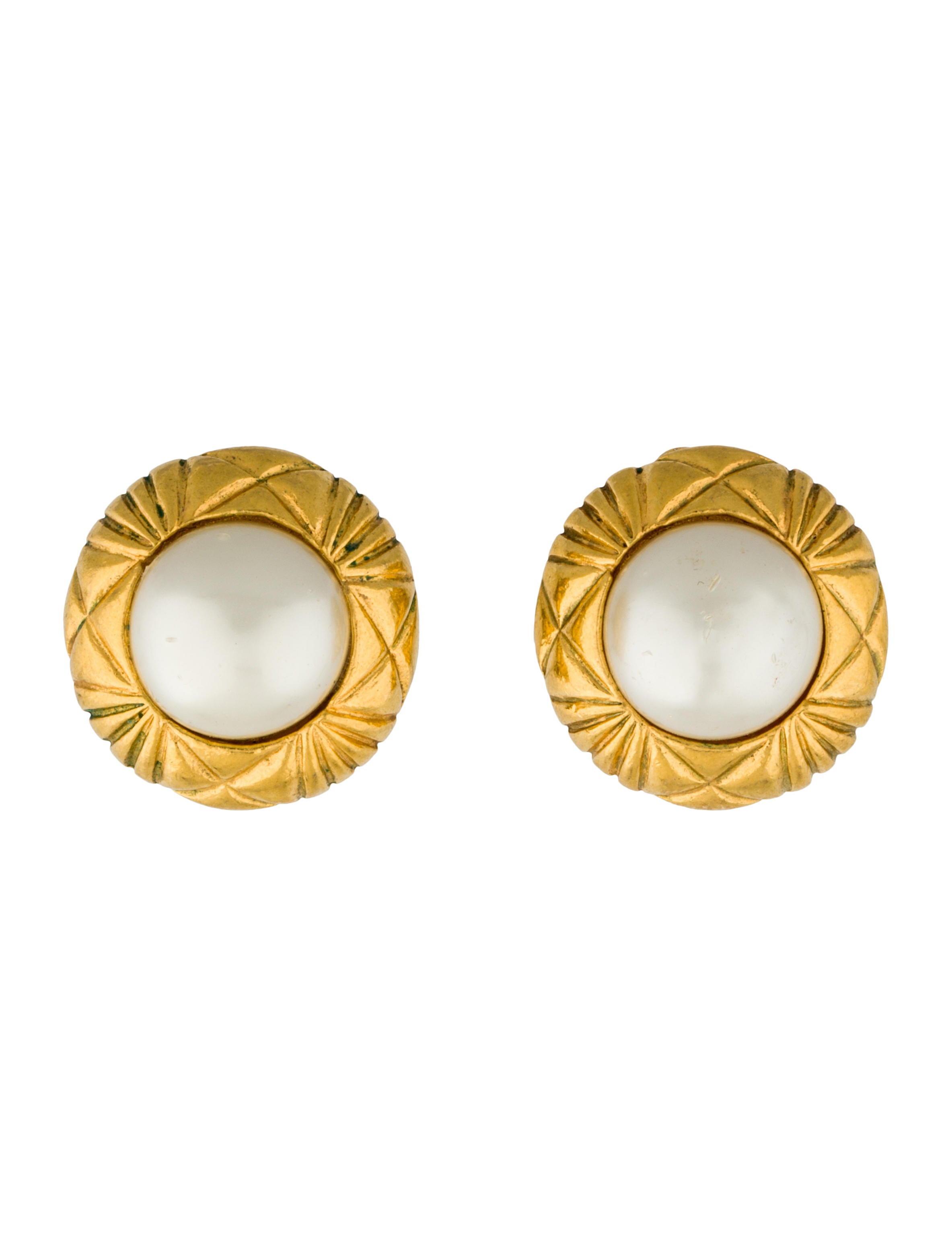 chanel pearl clip on earrings earrings cha89493 the. Black Bedroom Furniture Sets. Home Design Ideas
