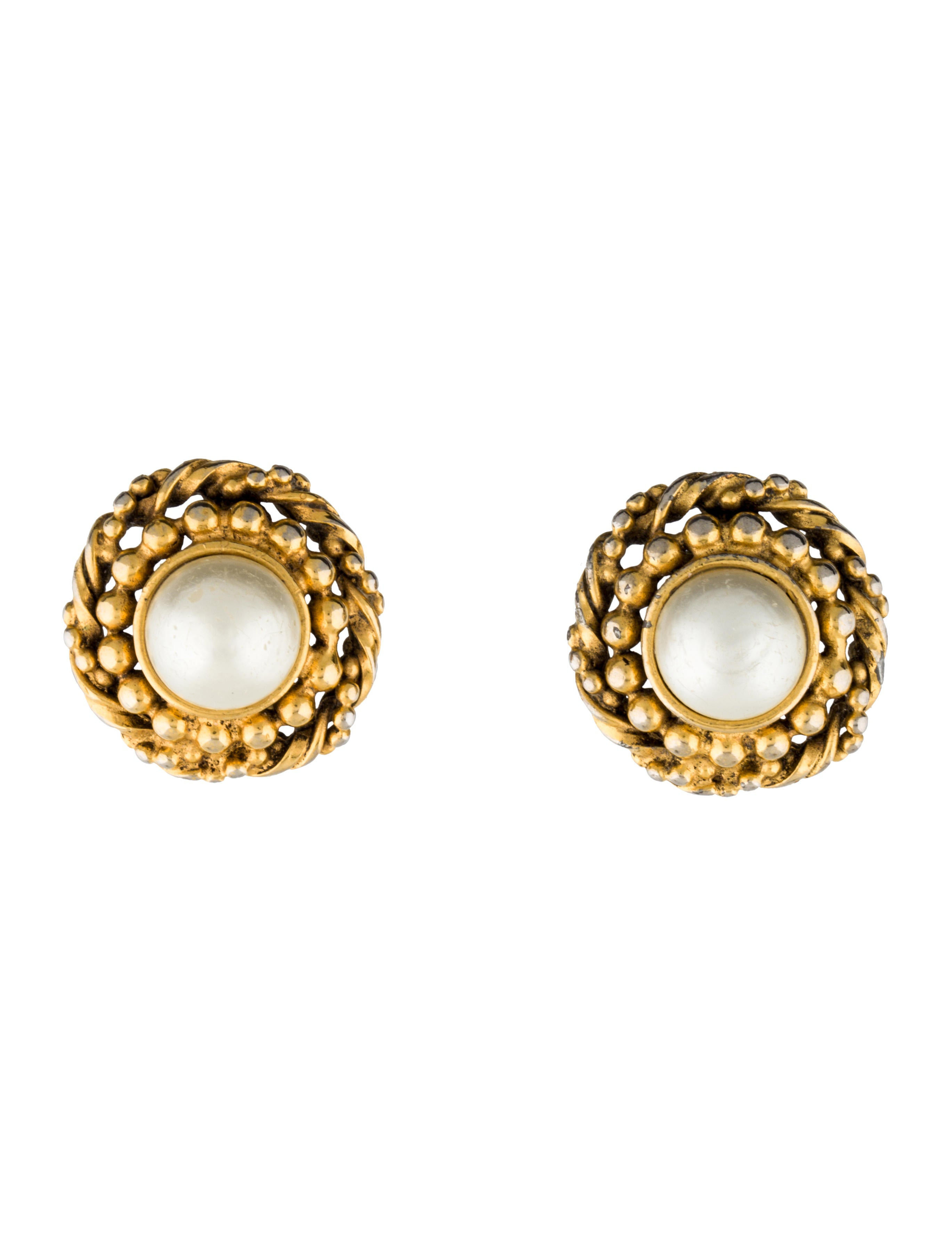 chanel pearl clip on earrings earrings cha91207 the. Black Bedroom Furniture Sets. Home Design Ideas