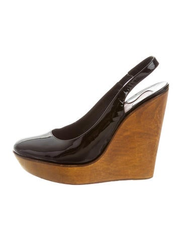 Chloé Round-Toe Leather Wedges None