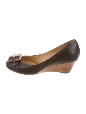 Chloé Leather Buckle-Accented Wedges None