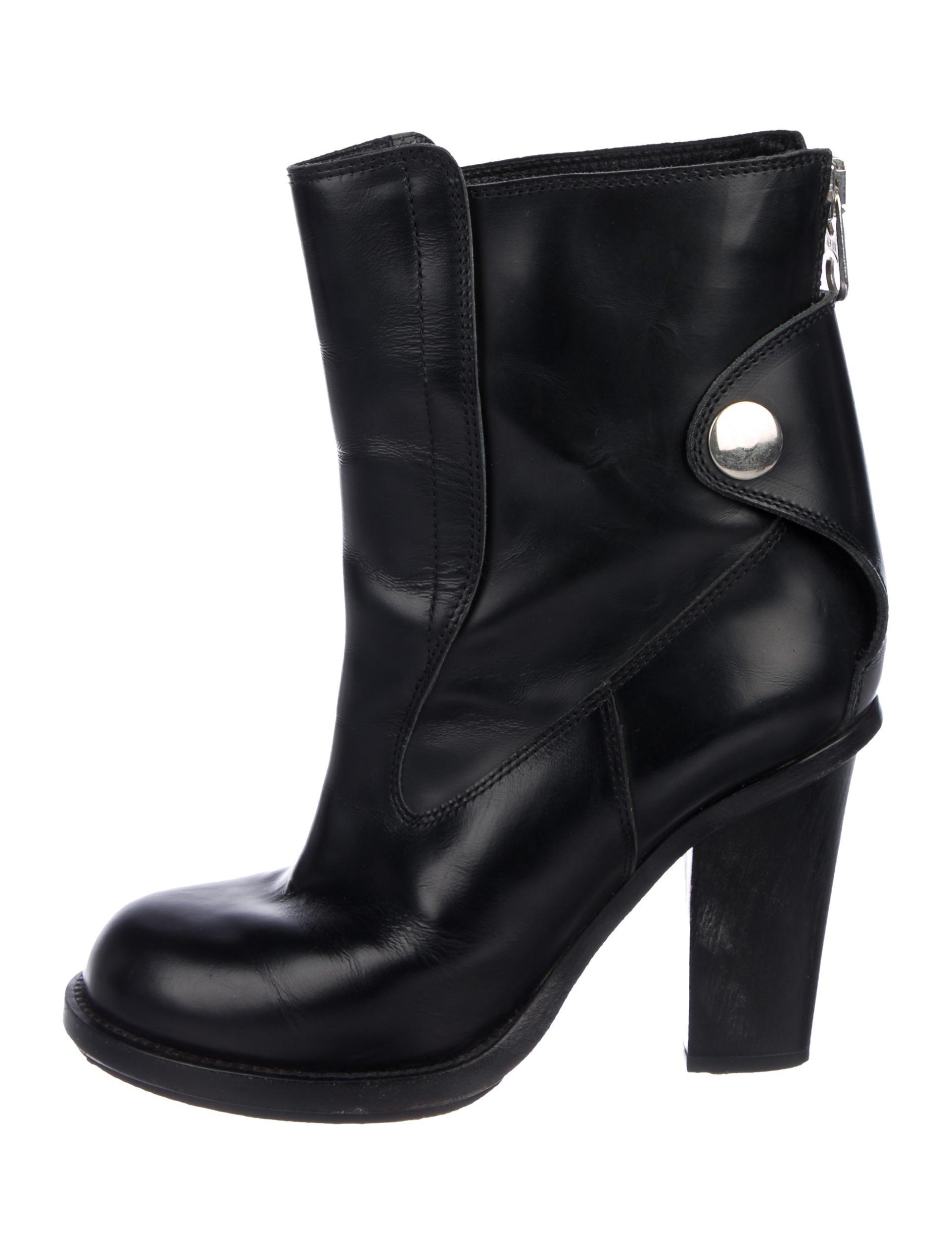 f3c57178e70138 Boots