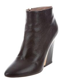 5a18d706fdd0 Chloé. Leather ...