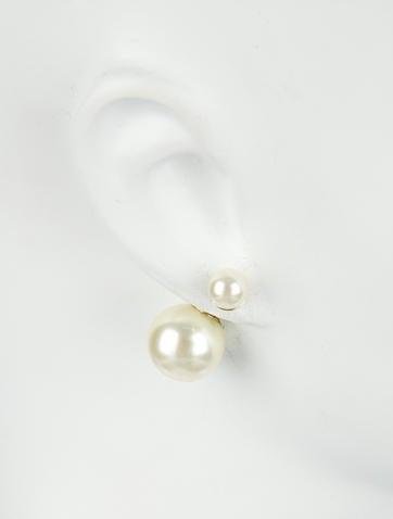 Mise en Dior Tribal Pearl Earrings